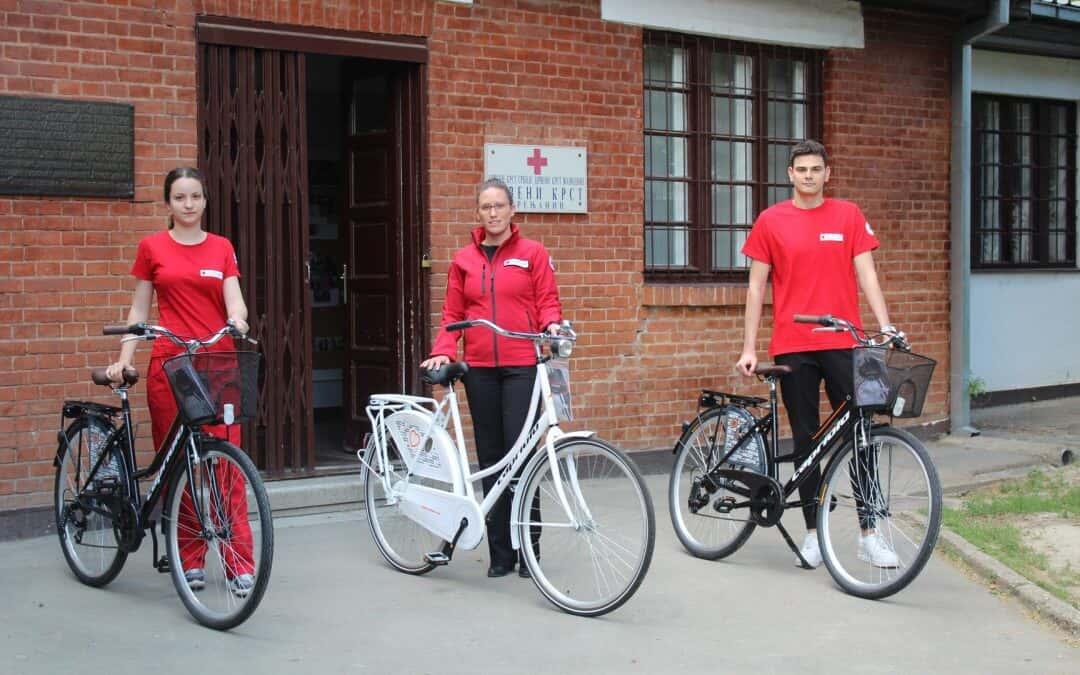 Бициклови на поклон волонтерима Црвеног крста